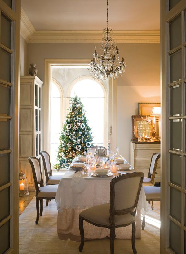 Dining table with Christmas tree