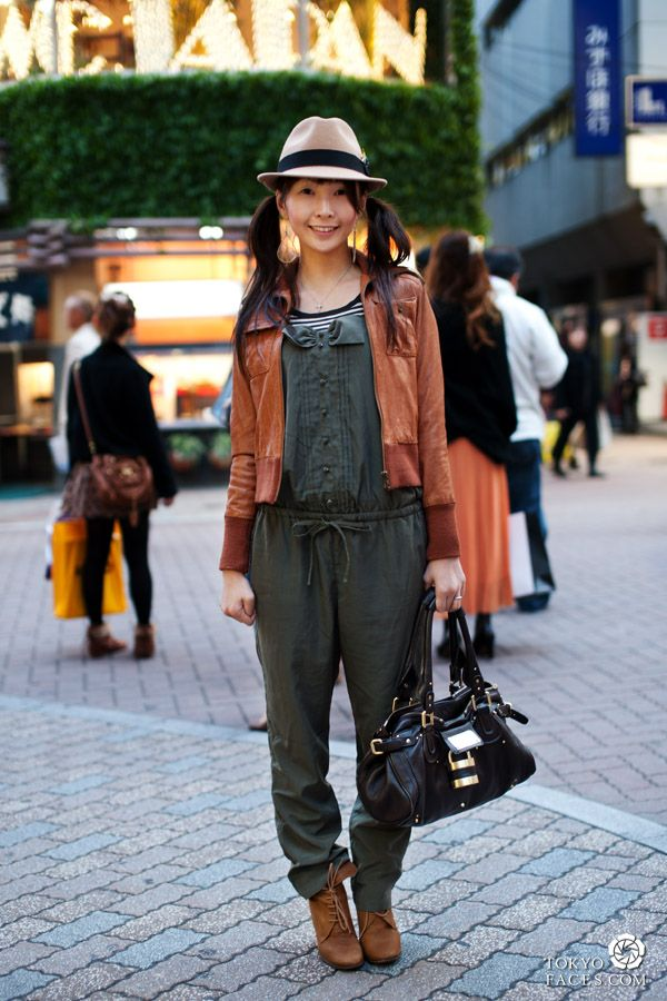 japanese fashion tokyo street style picture of a girl on center gai in shibuya