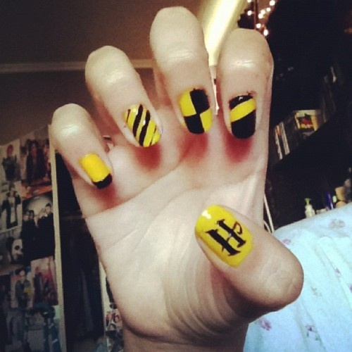 Dahlia Nails Ravenclaw Nail Art: What The Hell Is A Hufflepuff? (nails!)