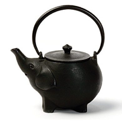 17 best images about tee hee teapots on pinterest ceramics tea kettles and ceramic artists - Elephant cast iron teapot ...