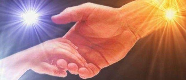 imagen de un niño en las manos de dios - Buscar con Google