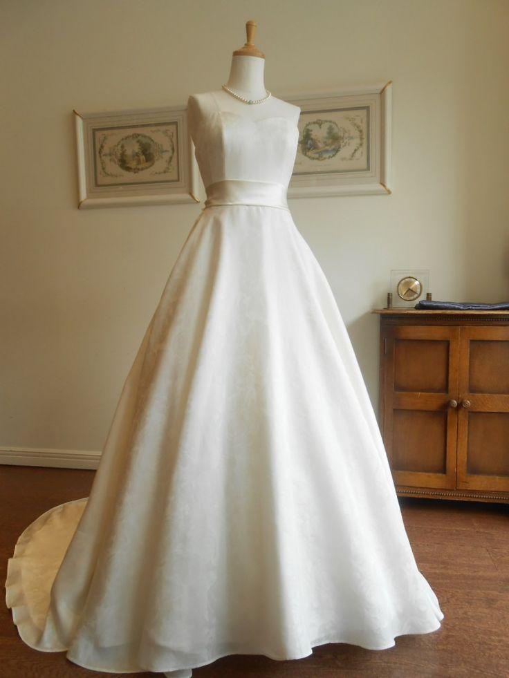 グランマニエのウェディングドレス名|ファイエ