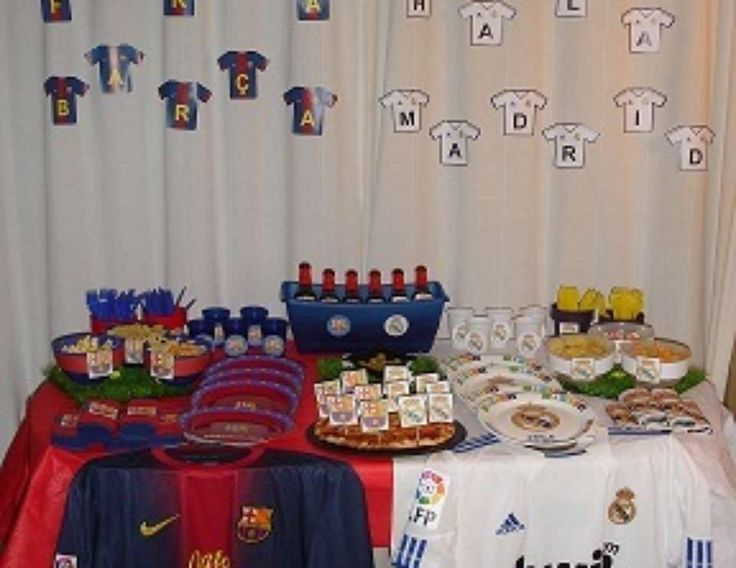 Soccer party soccer party fcb real madrid soccer for Decoration chambre real madrid