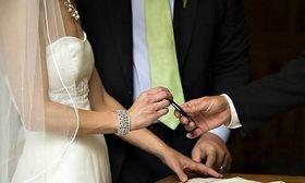 Απίστευτο! Άρον άρον σχόλασε γάμος στα Τρίκαλα όταν έμαθαν ότι η νύφη είναι...   Aυτά που έγιναν σε προγραμματισμένο πολιτικό γάμο ΔΕΝ έχουν ξαναγίνει! Έπαθαν σοκ οι καλεσμένοι - Όλα του γάμου δύσκολα κι η νύφη... παντρεμένη  from Ροή http://ift.tt/2ntC1ZP Ροή