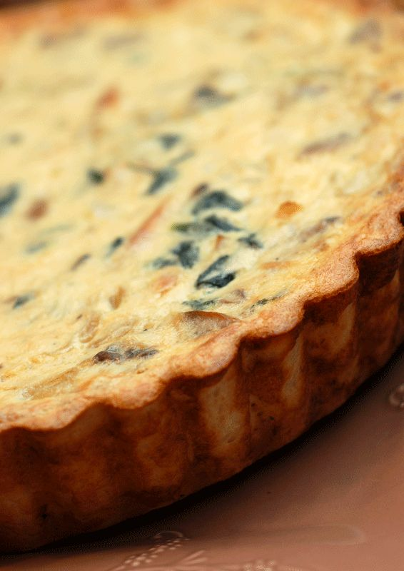Spinach, mushroom, and bacon quiche