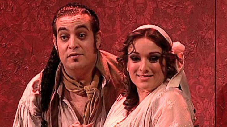 Aaron Zapico (dirección musical) y Pablo Viar (dirección de escena) ofrecen la primera interpretación en tiempos modernos de tres tonadillas de Blas de Laserna: La España antigua, El sochantre y su hija, y La España Moderna.