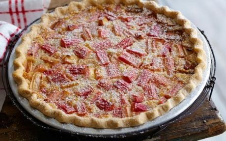 Rhubarb and Custard Pie in by Food Network Kitchens | Pies Professional recipe | Foodnetwork.co.uk