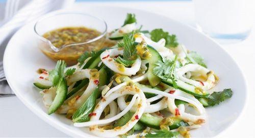 Салат с авокадо и кальмарами: рецепты с фото. Как готовить вкусный и некалорийный салат с авокадо и кальмарами. | Страна Советов