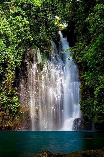 Tinago Falls, Iligan, Philippines Farbe H20 als Wandfarbe