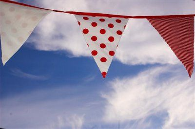 great template for bunting...used the larger one for the bunting along the security fence at m's party