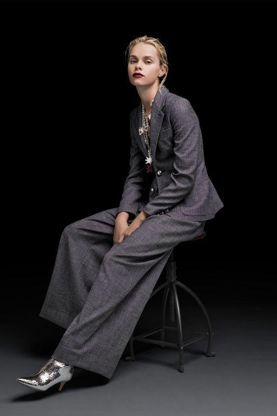 Emporio Armani Pre-Fall 2018 Collection Photos - Vogue