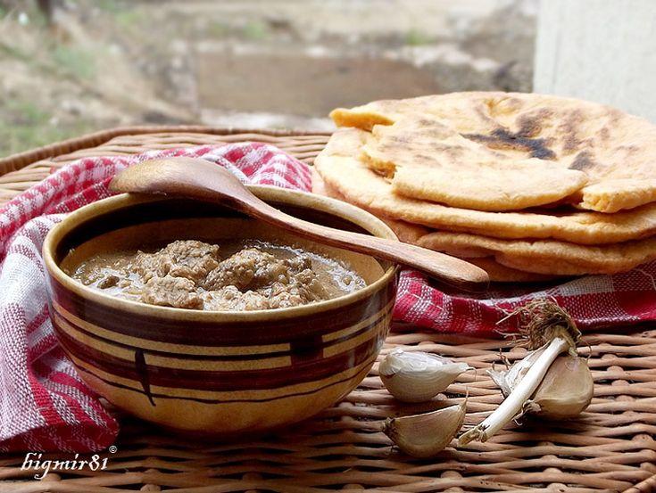 Очень вкусное и ароматное блюдо грузинской кухни! Непременно как-то приготовьте – не пожалеете. 1,5 кг говядины 2 большие луковицы 3 зубчика чеснока 1 ст.л.…