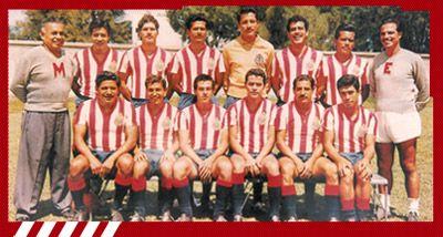 """Quinto Campeonato: 1961-1962 [Chiva -Toluca] Guadalajara: """"Tubo"""" Gómez, """"Cura """" Chaires, Nacho Sevilla, """"Jamaicón"""" Villegas, """"Bigotón"""" Jasso, Javier Valle, """"Chololo"""" Díaz, Chava Reyes, """"Cabo"""" Valdivia, Sabás Ponce y """"Pina"""" Arellano. Entrenador, Javier de la Torre."""