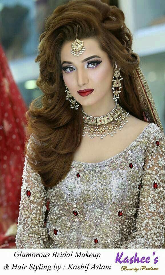 Pin By Helengabrielapontes On Vishu Pakistani Bridal Hairstyles Pakistani Bridal Makeup Bridal Makeup Looks