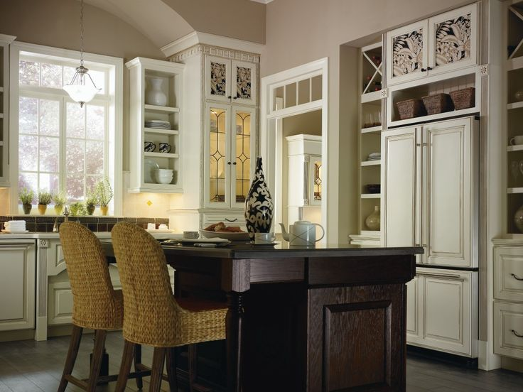 Thomasville plaza cabinets cabinets matttroy for Thomasville kitchen cabinets