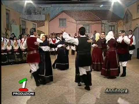 "Gruppo folk ""Olbiese"" - Lu Scottis"
