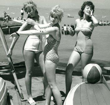 Hot girls at Lake Balaton in the 70's :)