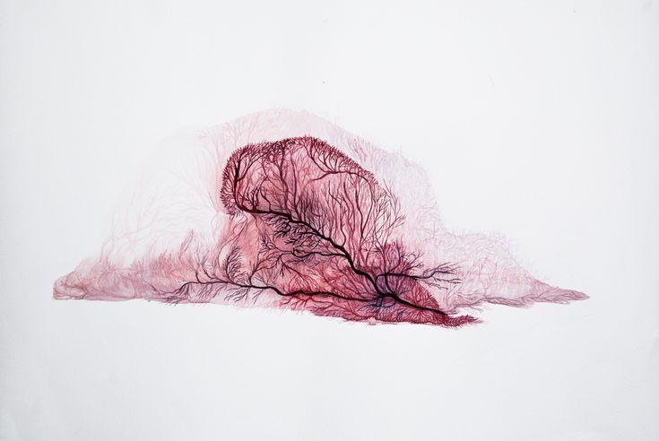 Camille Park est une artiste française née en 1979. Après un passage par l'Ecole des Beaux Arts de Valence, elle vit et travaille aujourd'hui à Paris. Sa pratique artistique gravite principalement autour du dessin et du volume, de la céramique émaillée et du papier coréen.  Habiter les formes. Chaque dessin se présente selon le même processus : d'abord délimiter l'espace d'apparition de la figure, puis déposer sur le papier par tâches successives l'encre ou l'aquarelle, retravaillées...