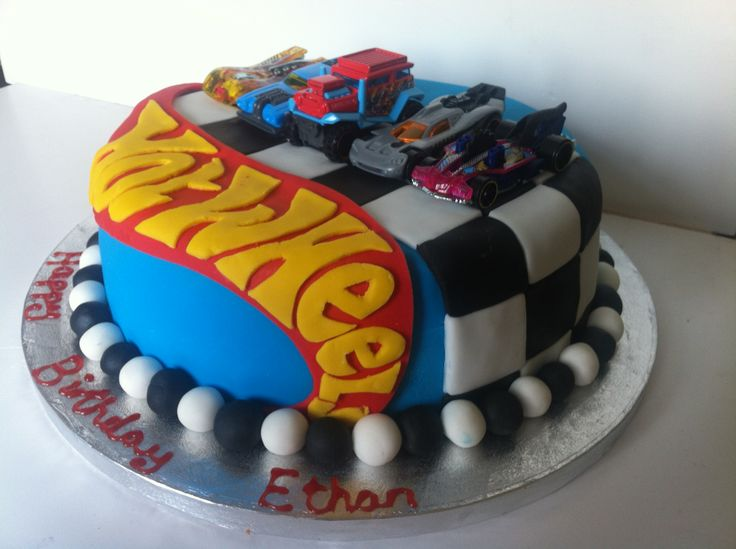 Images Of Hot Wheels Cake : Hot Wheels cake idee bimbi Pinterest Wheels, Hot ...