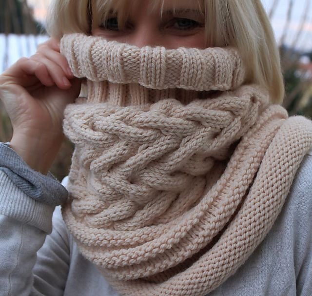 Ravelry: Glaciaire pattern by Hélène Vincent. Makes me wish for frigid winter days.Knits Scarf, Cable Cowls, Crochet Scarves For Men, Ravelry Scarves, Knits Cowls, Cowls Knits, Knits Pattern For Men, Crochet Knits, Crafts