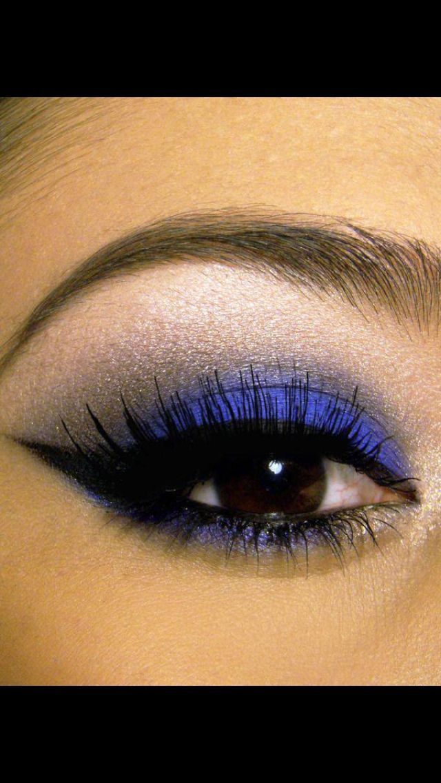 Love the color of this eye makeup
