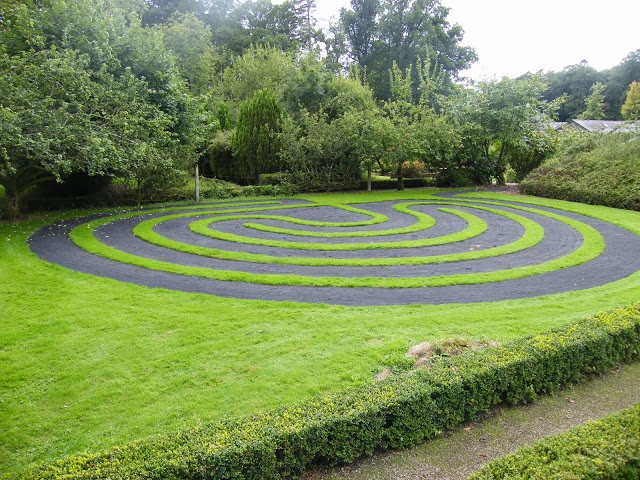 19 best Labyrinth images on Pinterest Topiaries, Labyrinths and - labyrinth garden design