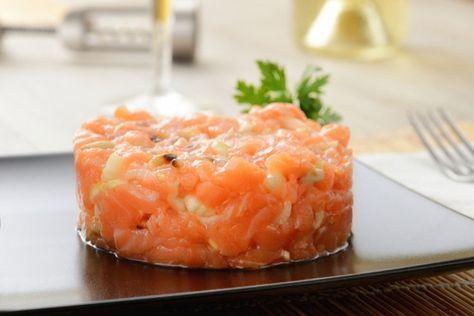 Este tartar de salmón fresco es muy fácil y elegante #TartarDeSalmonFresco #RecetasDePescado #RecetasFáciles #RecetasDeNavidad #Aperitivos #EntrantesNavidad