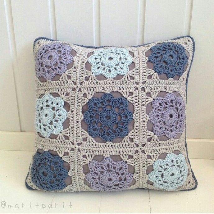 "1,547 Beğenme, 8 Yorum - Instagram'da ŜoỖoḾả (@3sm3m): ""#crochet#crocheting#handmade#yarn#pattern#instagram#amigurumi#craft#following#crafts#amazing#family#repost#amazing#photography#cute#flower#like4like#follow#crochetd#hook#elegant#crochetlove#yarns#followme#knitting#kint#crochetaddict#كروشيه#كاميرا#تصويري"""