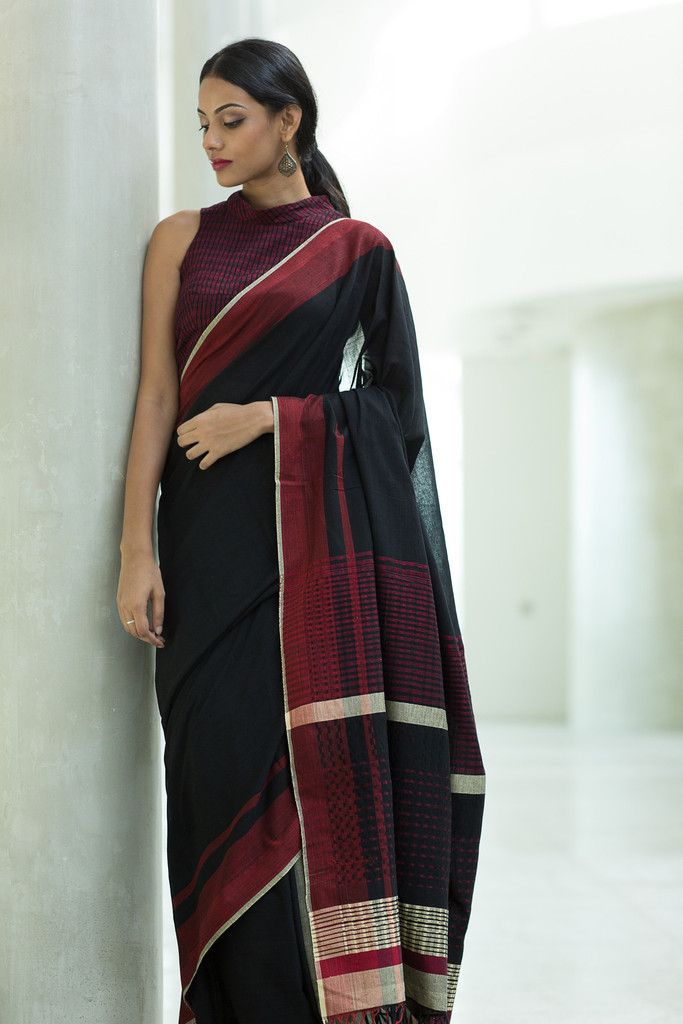 Rathu Kotu Saree from FashionMarket.lk