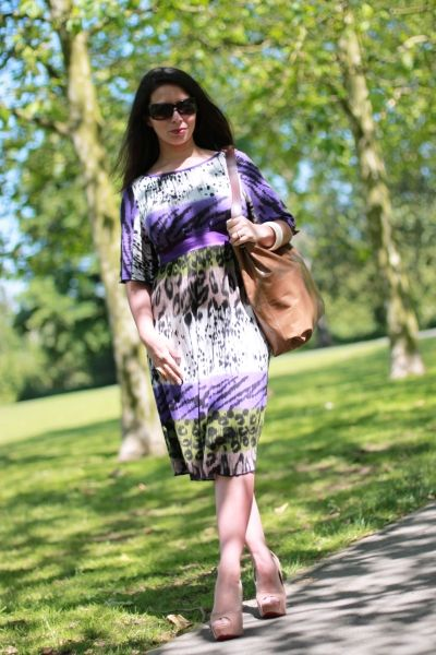 Let your pregnancy wardrobe take a walk on the wild side, with the Vanessa Maternity Day Dress Work Wear. The striking animal print maternity dress is a summer stunner from Zoe Alexander UK. Made in UK.