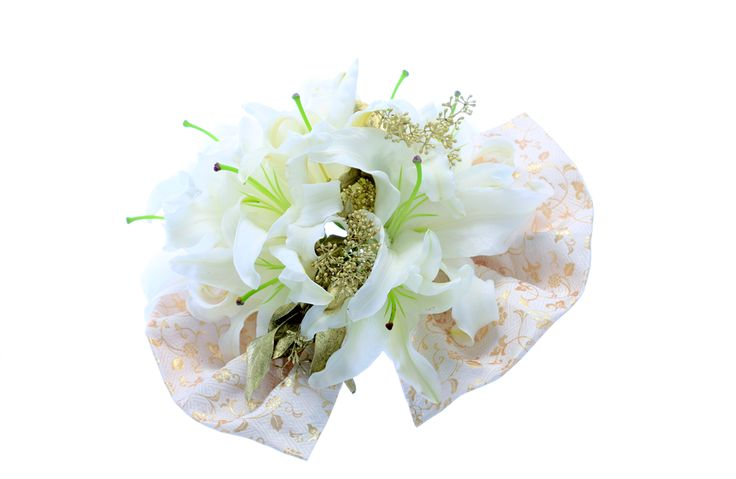 "We selected beautiful bouquets which is appropriate in ""Wakon"" from 5th issue. (photographer  Masaaki Hiraga) and more; http://www.amazon.co.jp/%E6%97%A5%E6%9C%AC%E3%81%AE%E7%B5%90%E5%A9%9A%E5%BC%8F-No-5-%E5%AE%9F%E7%94%A8%E7%99%BE%E7%A7%91-%E3%82%A6%E3%82%A4%E3%83%B3%E3%83%89%E3%82%A2%E3%83%B3%E3%83%89%E3%82%B5%E3%83%B3/dp/4408631973/?qid=1403586052&s=books&ref=sr_1_48&ie=UTF8&sr=1-48"