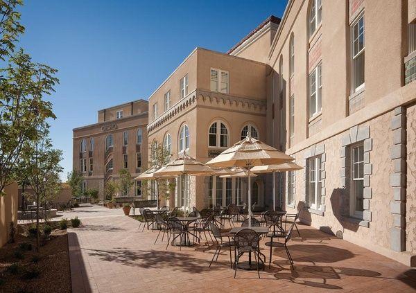 Booking.com propose une sélection d'hôtels et restaurants sur la Route 66 aux Etats-Unis Chicago, Amarillo, Oklahoma, Albuquerque, Arizona, Californie - Hotel Parq Central Albuquerque - Albuquerque