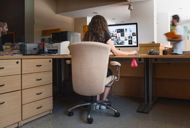Самый женский способ снять стресс на работе - резиновые яйца - ПоЗиТиФфЧиК - сайт позитивного настроения!