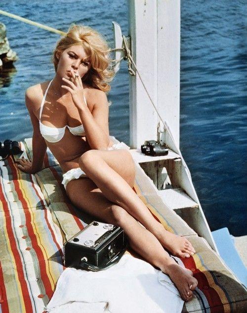 .: Summer Fashion, White Bikinis, Bridgetbardot, Style, Bridget Bardot, Vintage Summer, People, Brigittebardot, Brigitte Bardot