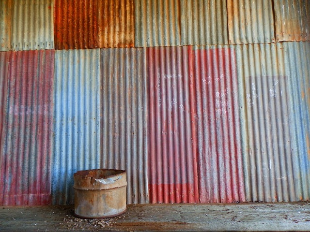 The beauty of corrugated iron ... #Australia's favourite building material of yesteryear ...