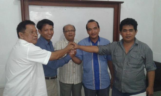 Covesia.com - Konstelasi politik di Bumi Sikerei menjelang Pilkada Kabupaten Kepulauan Mentawai 2017 terlihat dinamis.Majunya pasangan Juniator Tulius -...