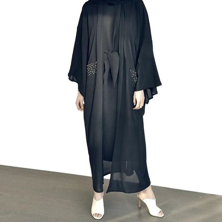 The perfect daily abaya look !!  #stunning#lady#abaya#sophisticated#beauty#beautiful#new#collection#emiratiwoman#fashion#style#stylish#trendy#glam#glamour#love#abayat#abayas#dubaiabaya#dubaistyle#dubaifashion#mydubai#ksa#oman#qatar#kuwait#riyadh#jeddah#hfboutique