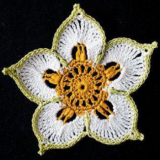 Цветок-талисман крючком