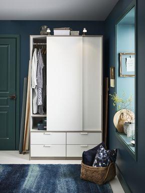 25 beste idee n over smalle kast op pinterest kleedkamer kleedkamer kast en doe het zelf - Moderne slaapkamer met kleedkamer ...