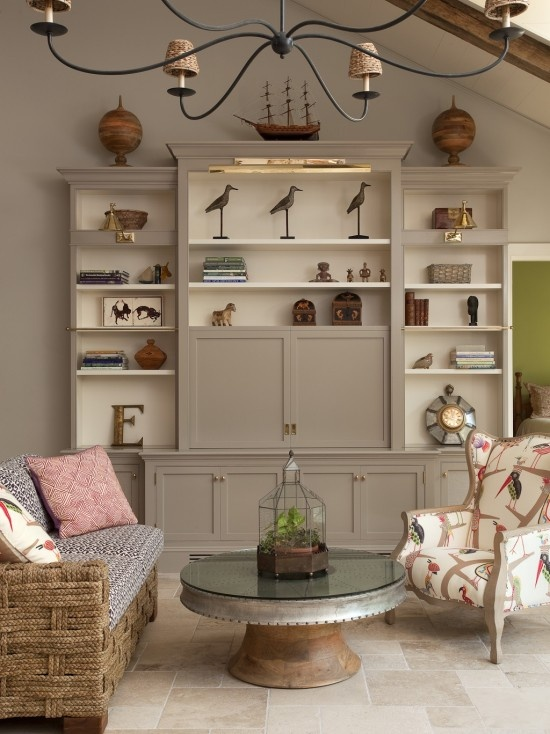 Beautiful furniture painting idea for using Chalk Paint™ decorative paint in French Linen and Old White. http://www.royaldesignstudio.com/collections/annie-sloan-chalk-paint-collection/