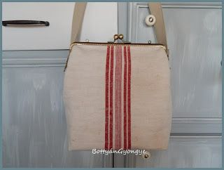 Régi szőttes vászon táska - piros csíkos / Vintage linen frame bag - red stripes