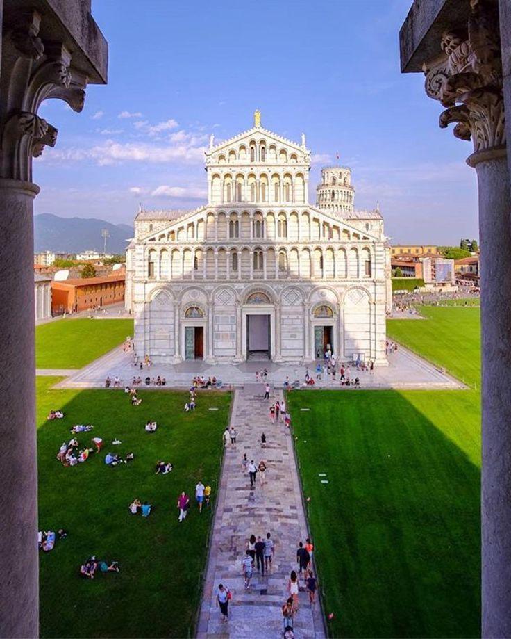 #Repost @paulofurtado The Cathedral of #Pisa, from the Baptistery. #fujifilmx_us #teamfuji #myfujifilm  #fujifilm #FujifilmXpt #fujifilm_xseries #fujixseries #communityfirst #areyouawake #ig_italy #ig_italia #italia #italy #pisa #tuscany #toscana #wowplanet #travellingthroughtheworld #naturegeography