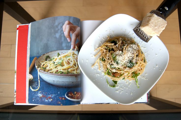 Spaghetti with Arugula and Parmesan. Chrissy Teigen Says Cacio e Pepe Conquers All, and Her Recipe Proves It