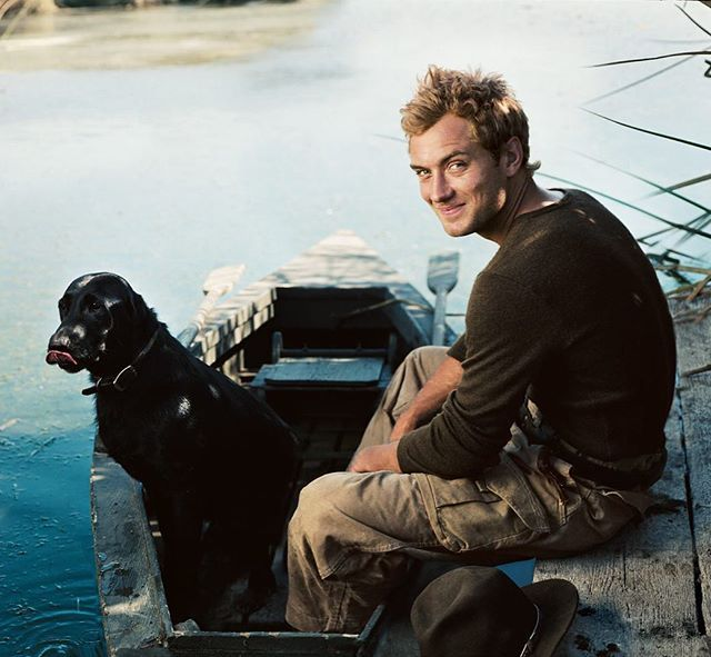 Man's best friend. Photograph of Jude Law by Annie Leibovitz for V.F. October 2004. #TBT via VANITY FAIR MAGAZINE OFFICIAL INSTAGRAM - Celebrity  Fashion  Politics  Advertising  Culture  Beauty  Editorial Photography  Magazine Covers  Supermodels  Runway Models
