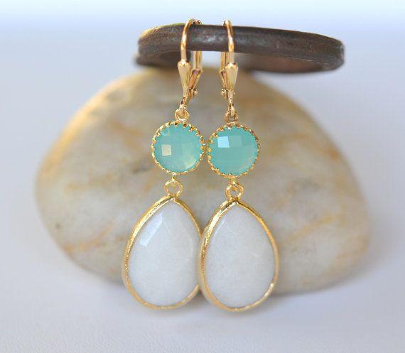 Grande larme blanche et cercle Turquoise boucle d'oreille. Déclaration Fashion Earrings. Turquoise et blanc boucles d'oreilles. Livraison gratuite.