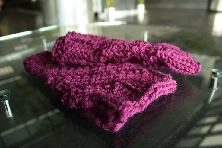 Knook Knitting Patterns : 1000+ images about Knook Knitting on Pinterest Fingerless mitts, Beanie and...