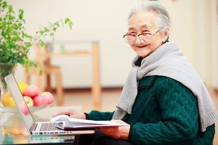 gia sư tin học cho người lớn tuổi với phương pháp trực quan, dễ hiểu, nhớ lâu. Đội ngũ gia sư vui vẻ, niềm nỡ, hiểu tâm lý người già.