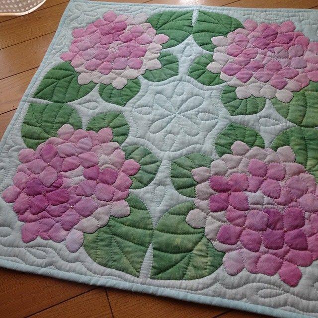 紫陽花のタペストリー 完成 サイズ50 215 50 ハワイアンキルト タペストリー Пэчворк