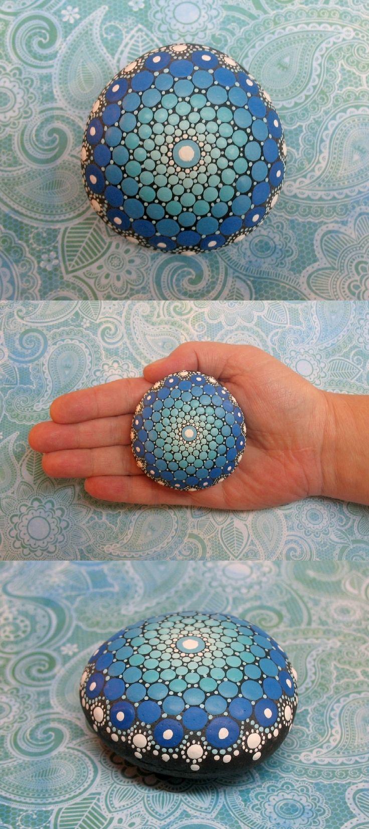 Mandala Stein blau