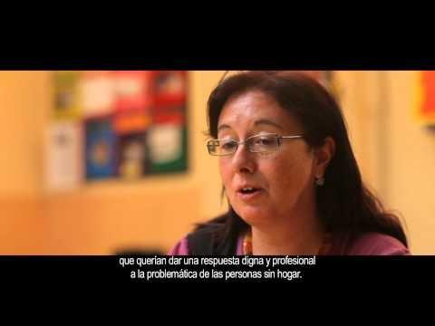 Tras el Día de las Personas sin Hogar compartimos un video sobre estas personas y las que les ayudan a reinsertarse laboral y socialmente.